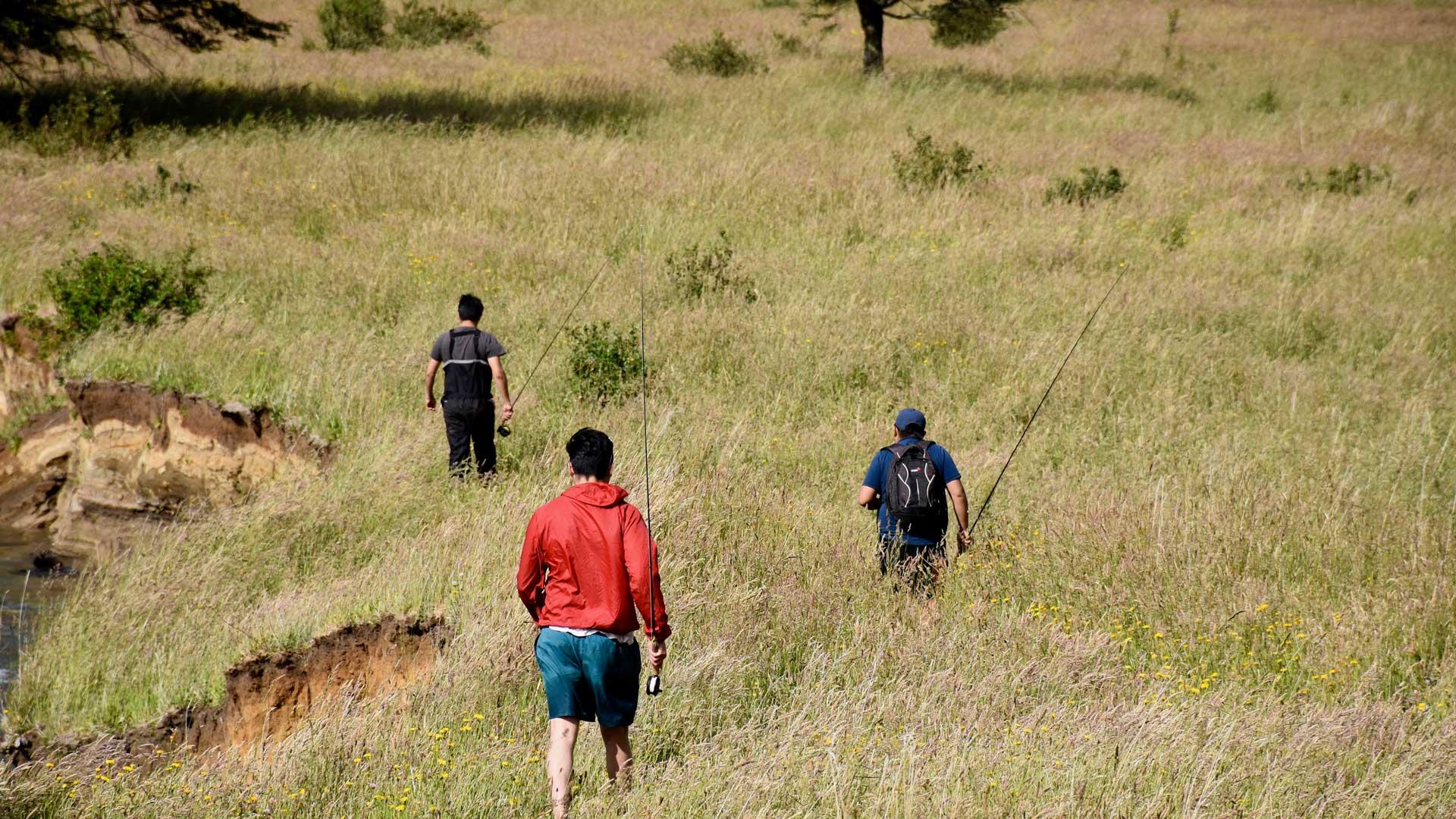 Jarvis, Tomás und Christian machen Strecke am Rio Mogote